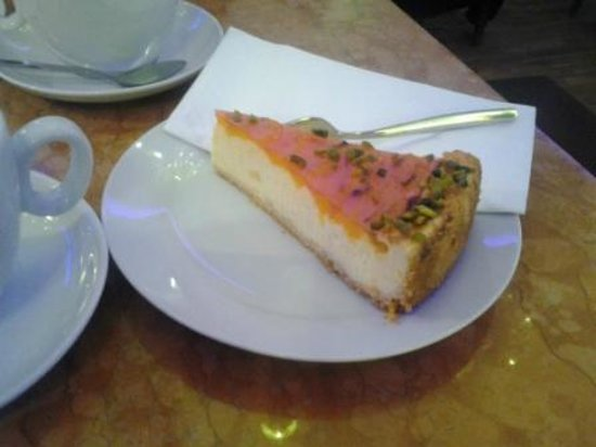 Café Kalwil Berlin: torta al mandarino e pistacchio