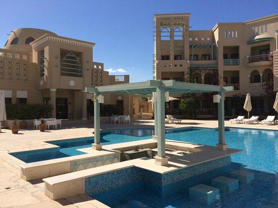Mosaique Hotel : Pool von der einen Seite ;)