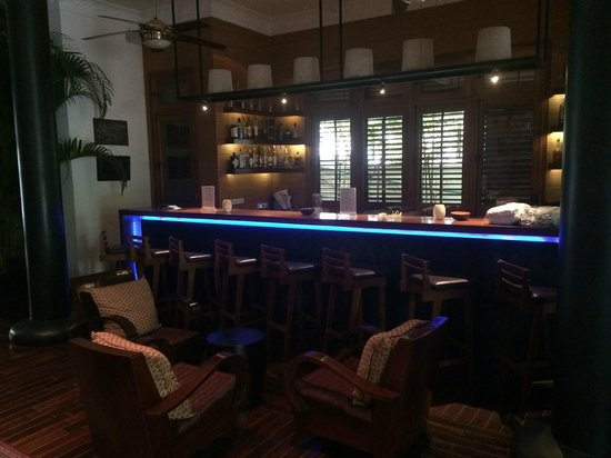 The Governors House Boutique Hotel Phnom Penh: Hotel lobby bar