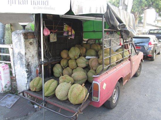Nam Jai House: Durian!