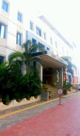 Hotel Chitturi Heritage: Hotel Front Elevation