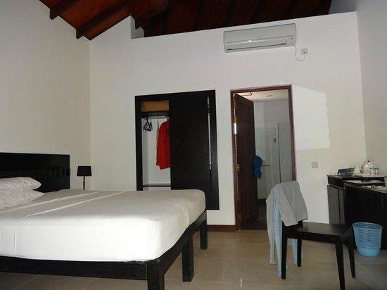 Embudu Village : chambre