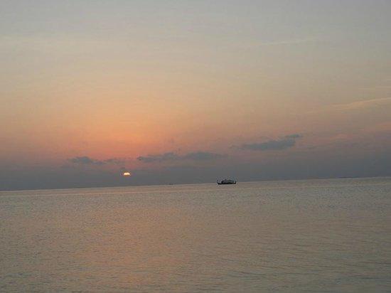Embudu Village : coucher soleil