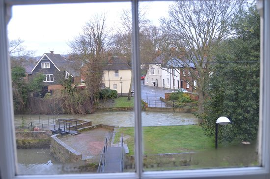 The Millers Arms : View of the river from our room