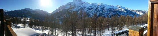 San Sicario, Italy: Il panorama dal balcone della mia camera. SPETTACOLO