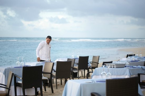 Zoetry Agua Punta Cana: Dining on beach restaurant Indigo