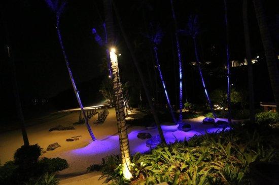 Four Seasons Resort Koh Samui Thailand: night view of private beach