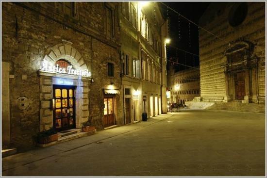 Antica Trattoria San Lorenzo : Esterno Vista Duomo