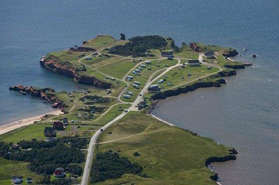 Auberge Internationale des Iles de la Madeleine : Vue aérienne du site