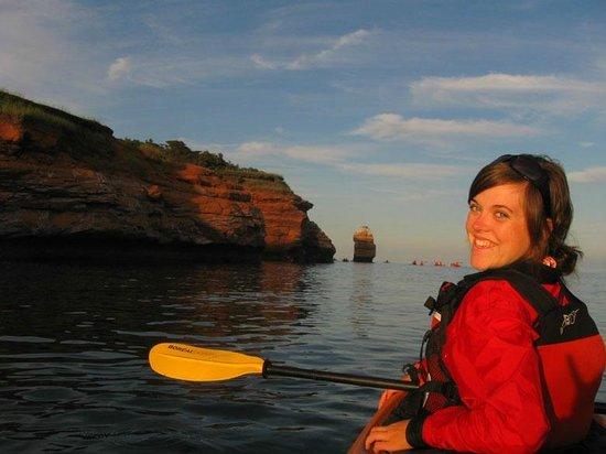 Auberge Internationale des Iles de la Madeleine : Activité de kayak de mer sur place