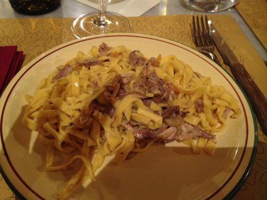 Taverna Pane e Vino: I tagliolini, già addentati