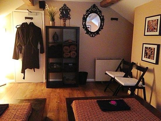 Newcastle-under-Lyme, UK: thai massage room