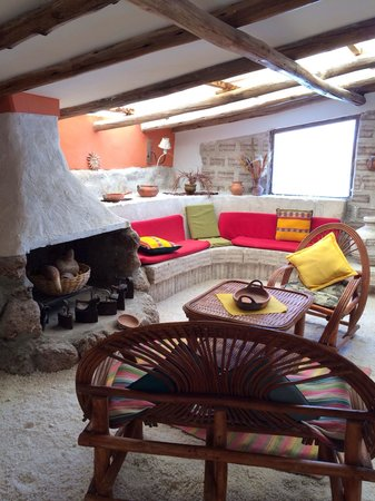 Hotel de Sal Luna Salada: Lots of chill out areas with fires
