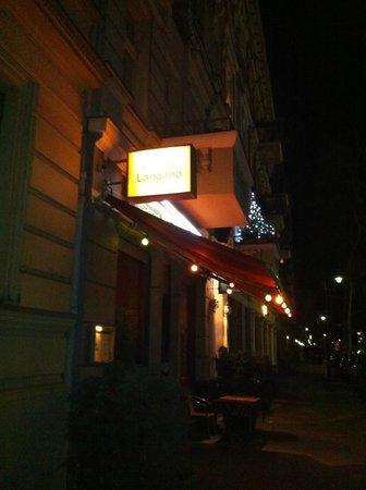 Langano: Front of restaurant