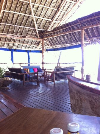 Villa Kiva Resort and Restaurant: Short walk from the sunshine hotel.