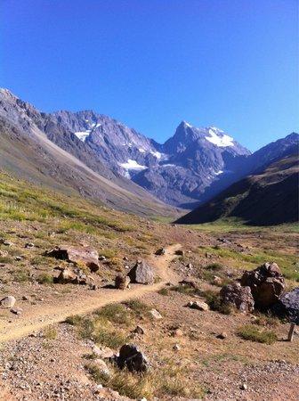Aguas Panimavidas : A vista das montanhas de gelo fazem parte do caminho e a montanha vira nossa companheira de cami