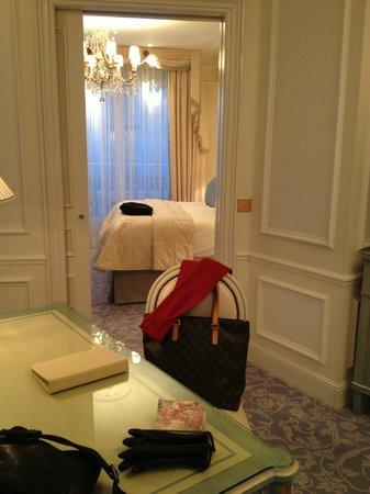 Four Seasons Hotel George V Paris : Four Seasons Style