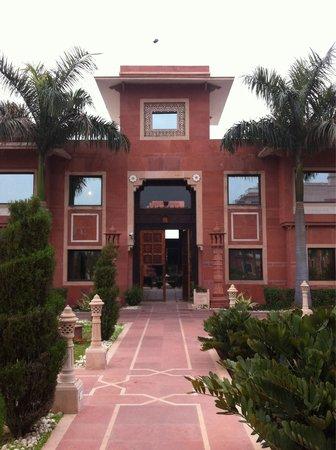 Orient Taj : Front door to quad building of rooms.