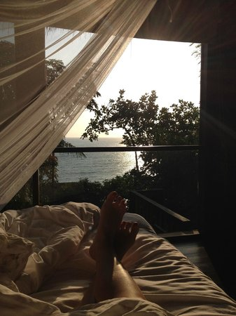 Six Senses Samui: Sunrise view from the bed in Villa 50