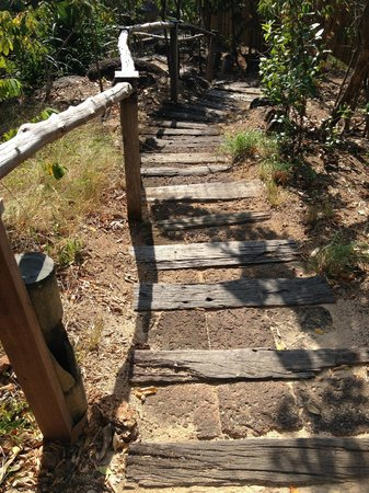 Six Senses Samui : Wooden steps to the beach