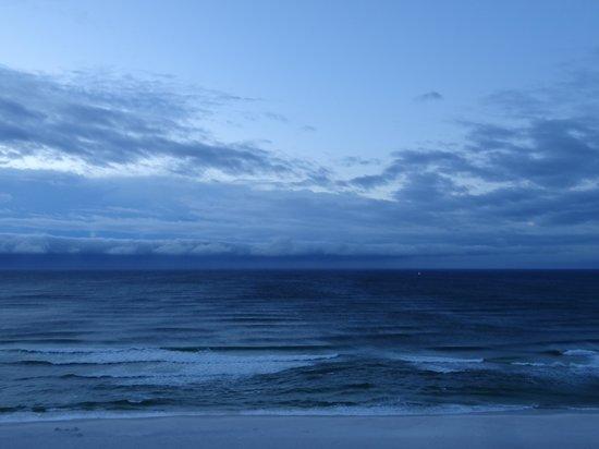 Hilton Pensacola Beach: Blue Water and Skies