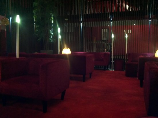 Santa Grand Hotel Lai Chun Yuen: comfortable day area free coffee and tea
