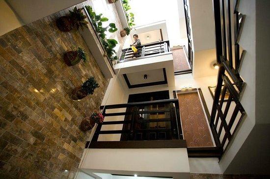 Balcony (90946186)