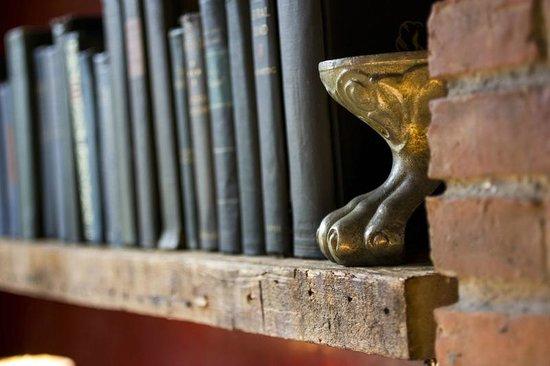 Argos Inn Public Bookshelf