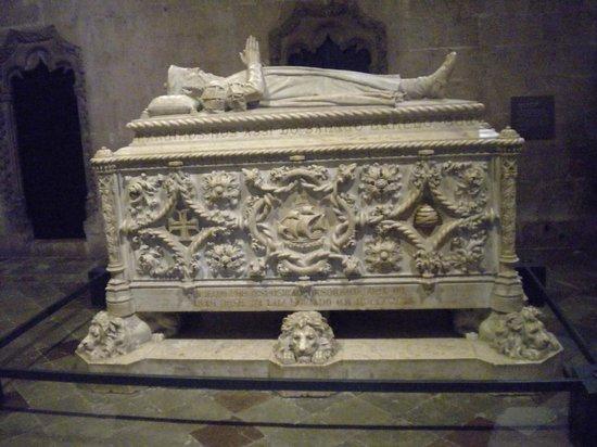Mosteiro dos Jerónimos (Hieronymuskloster): Túmulo