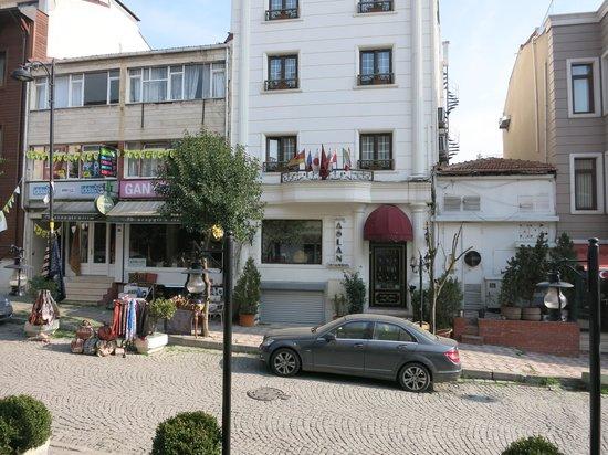 Hotel Novano: вид из окна