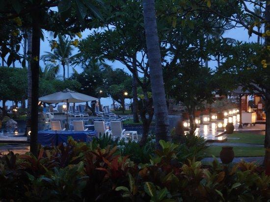 Nusa Dua Beach Hotel & Spa : Pool Aria