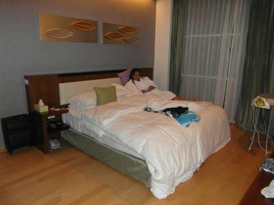 Shama Sukhumvit Bangkok : 3 Bed Apt,main Bedroom 'Super' comfy double bed