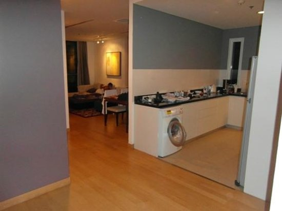 Shama Sukhumvit Bangkok: 3 Bed Apt,Huge Kitchen & living area beyond