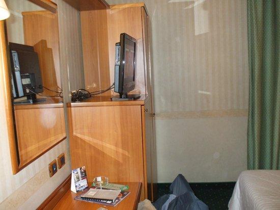 Nuovo Hotel del Porto: TV Camera