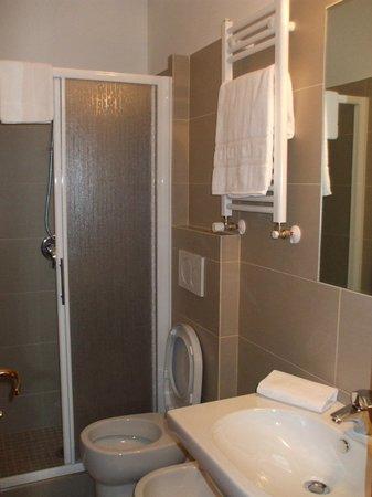 Nuovo Hotel del Porto: Bagno