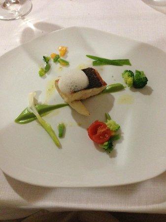 La Forquilla: Sea bass with garden vegetables