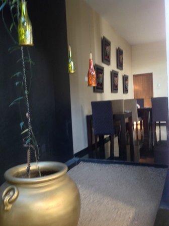 Clove Villa : Dining Room