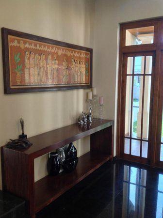 Clove Villa : Living Room
