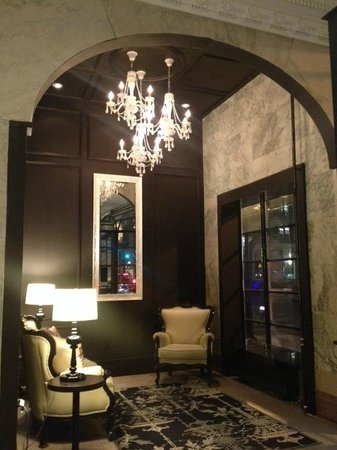 Hotel Victoria : Entrance, Lobby Area