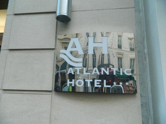L'entrata dell'Atlantic hotel di Parigi.