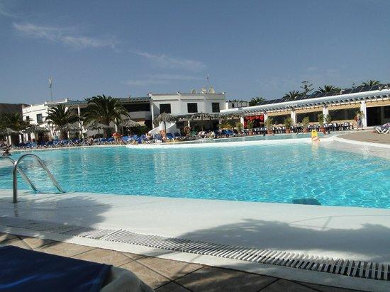 HL Hotel Rio Playa Blanca: la piscine