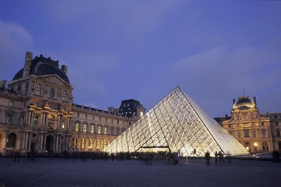Photo of Museum Musée du Louvre (Louvre Museum) at 99 Rue De Rivoli, Paris 75001, France