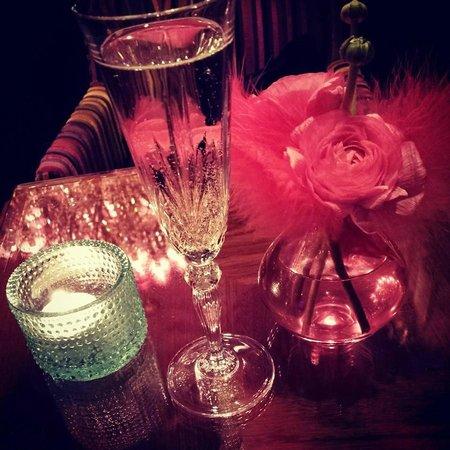 Hotel Estherea : Marias Bar... Champagne! (again)