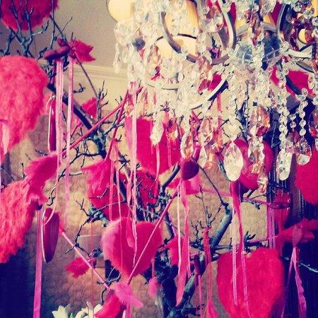Hotel Estherea : Valentine Lobby Decoration