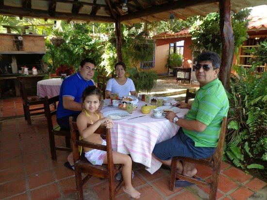 Posada Entre Playas : Cafe da manha especial