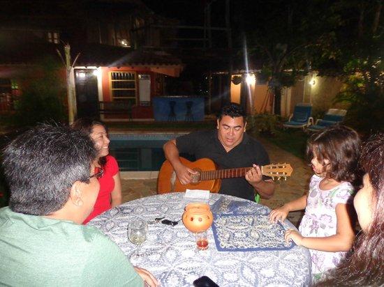 Posada Entre Playas : Jantar maravivlhoso e um bom violão