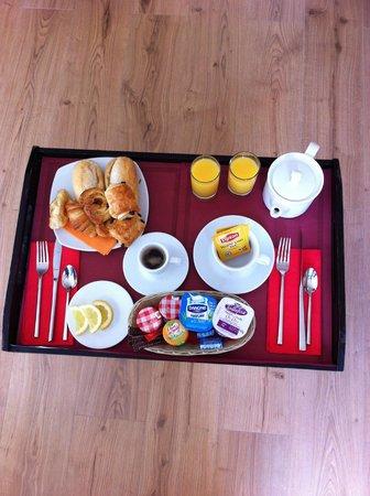 Montaigne Hotel & Spa: Petit dejeuner en chambre à 34 €