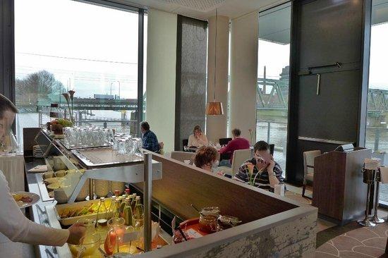Steigenberger Hotel Bremen: Frühstücksraum/Restaurant