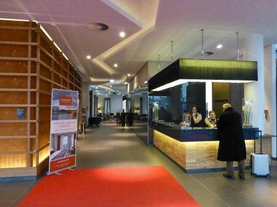 Steigenberger Hotel Bremen: Rezeption