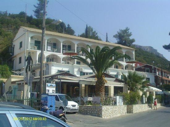 Apollon Hotel: Exterior of hotel